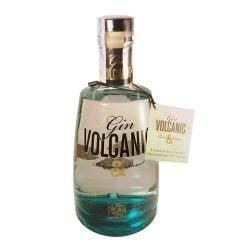 Gin Volcànic destilada con piedra volcánica